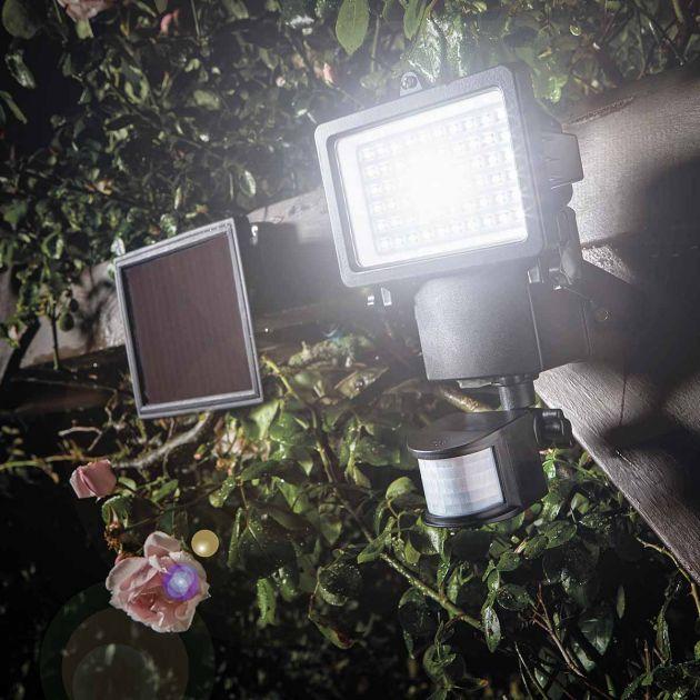Super Bright Solar Security Light with PIR
