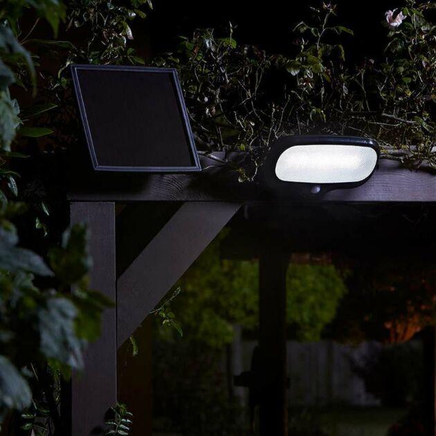 Solar Security Floodlight with PIR, 500 Lumens