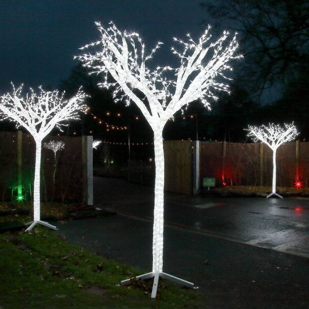 2.6m Large Tree Commercial Sculpture, 1,900 White LEDs