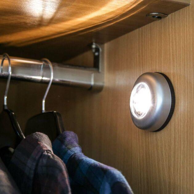 Battery Push Light, 4 Warm White LEDs