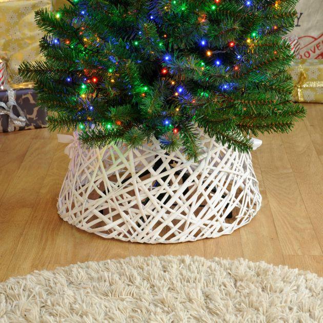 44cm x 44cm White Willow Christmas Tree Skirt