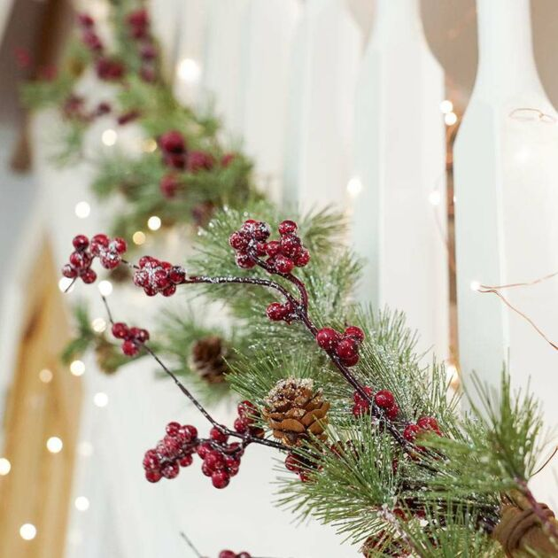 1.5m Red Berry Christmas Garland