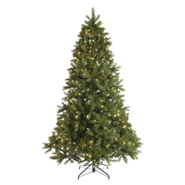 Green Pre-Lit Mayberry Spruce Christmas Tree