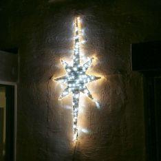 2m Aluminium Outdoor Rattan Christmas North Star Motif, White Twinkle LEDs
